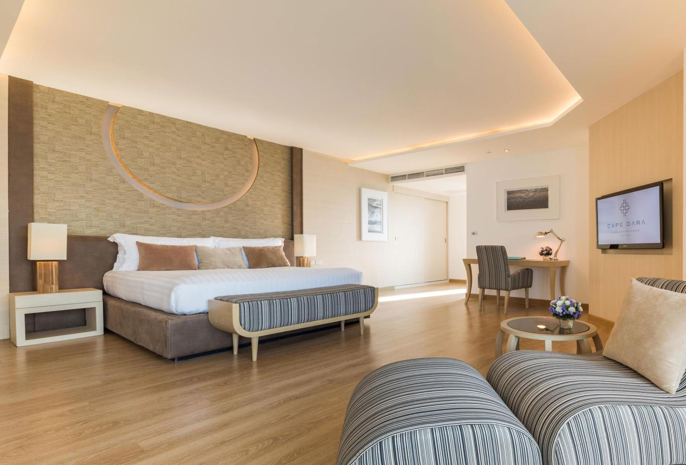 Family-Suite-double-bed