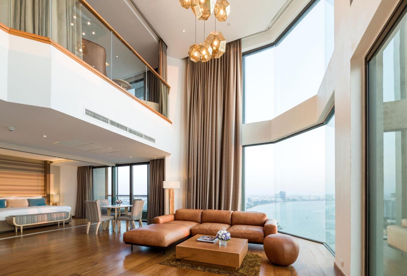 Top-Star-Duplex-Suite-living-and-view