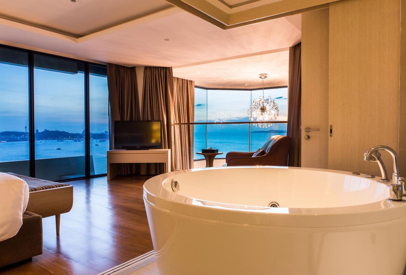 Top-Star-Duplex-Suite-living