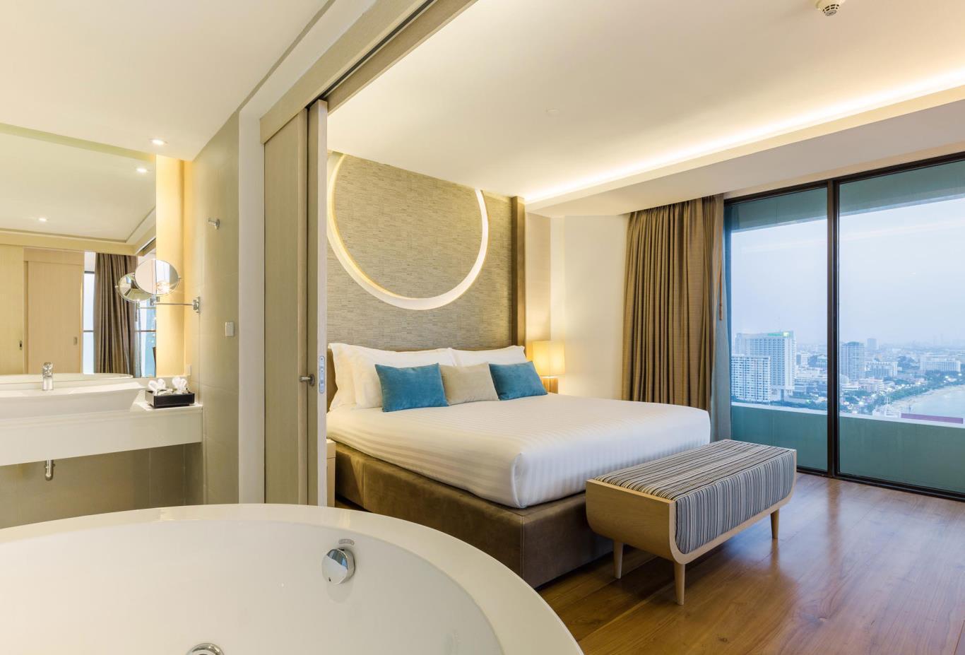 Top-Star-Duplex-Suite