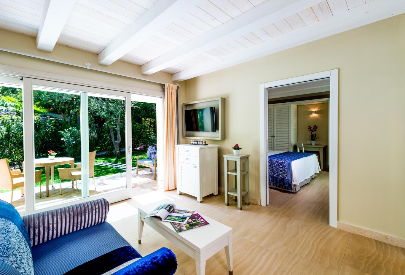 Deluxe Family Bungalow interior