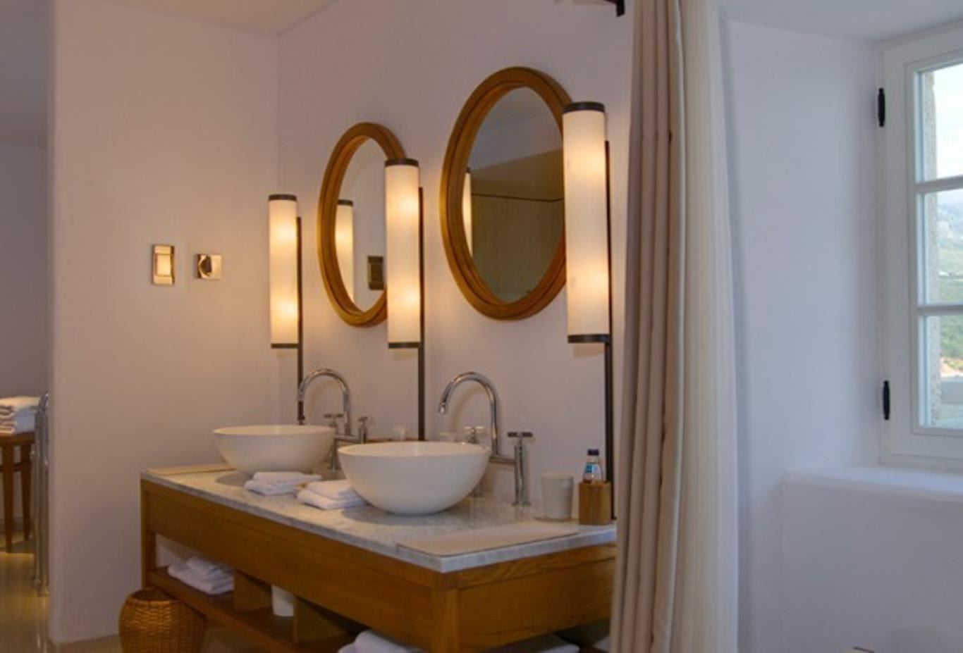 Sveti Stefan bathroom