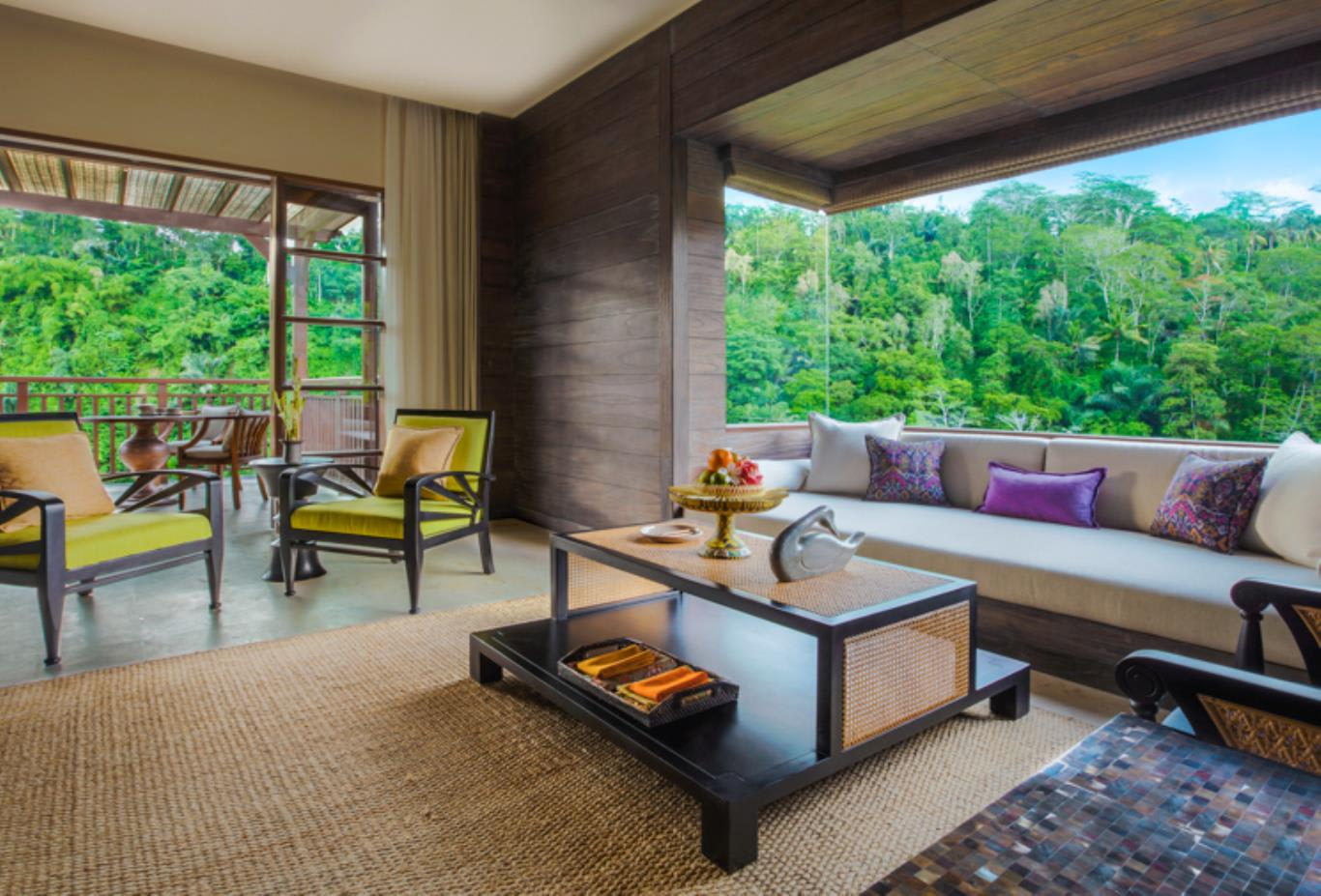 Mandapa Suite lounge room