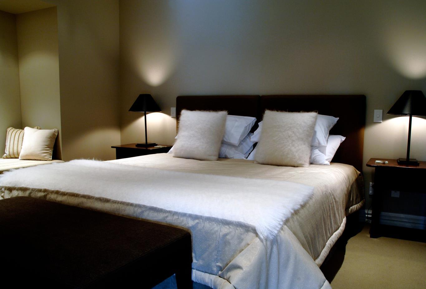 Lakeside-Bedroom