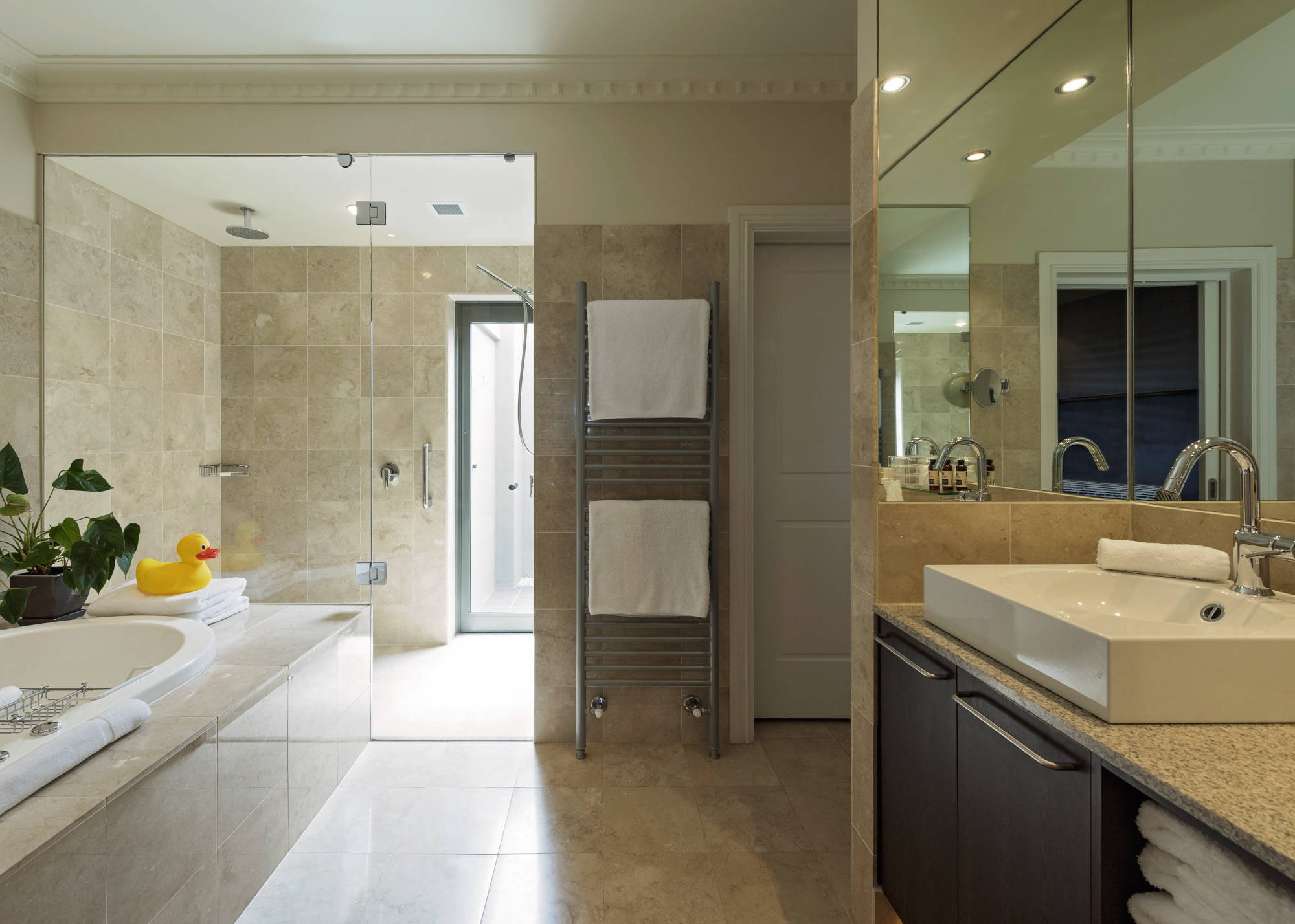 Seppeltsfield Suite Bathroom