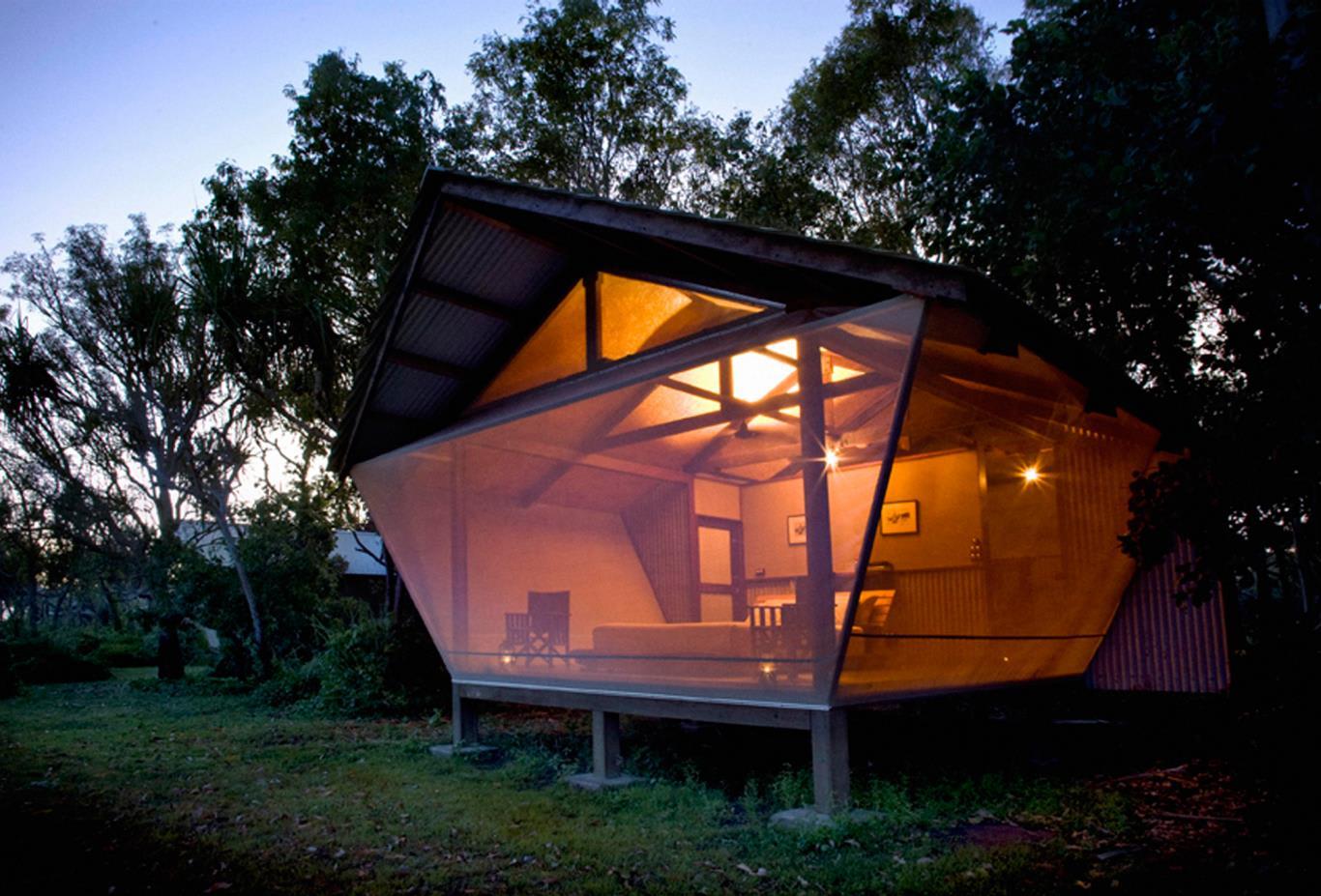 Safari-Bungalow-Exterior