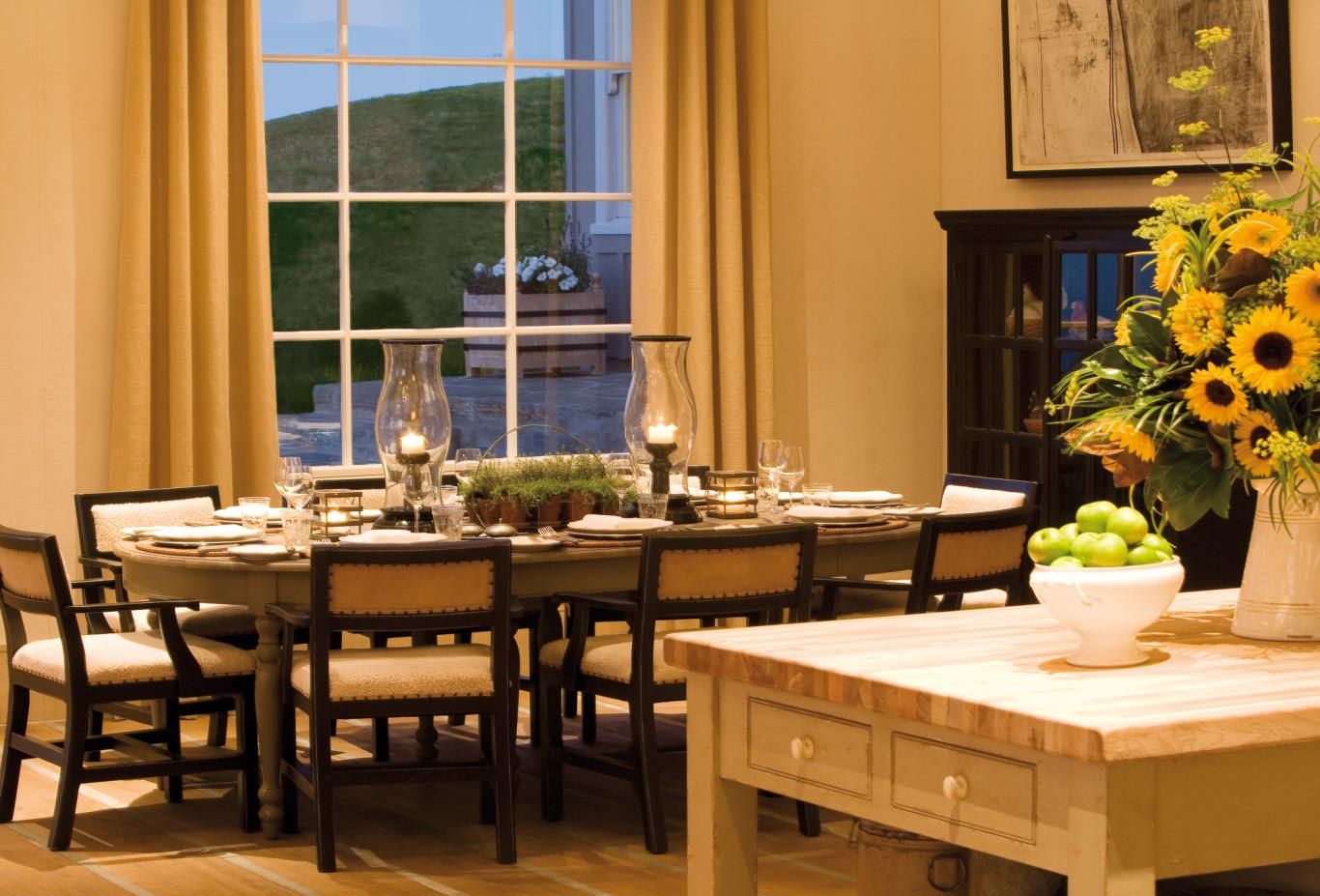 Owner-s-Cottage-dining-area