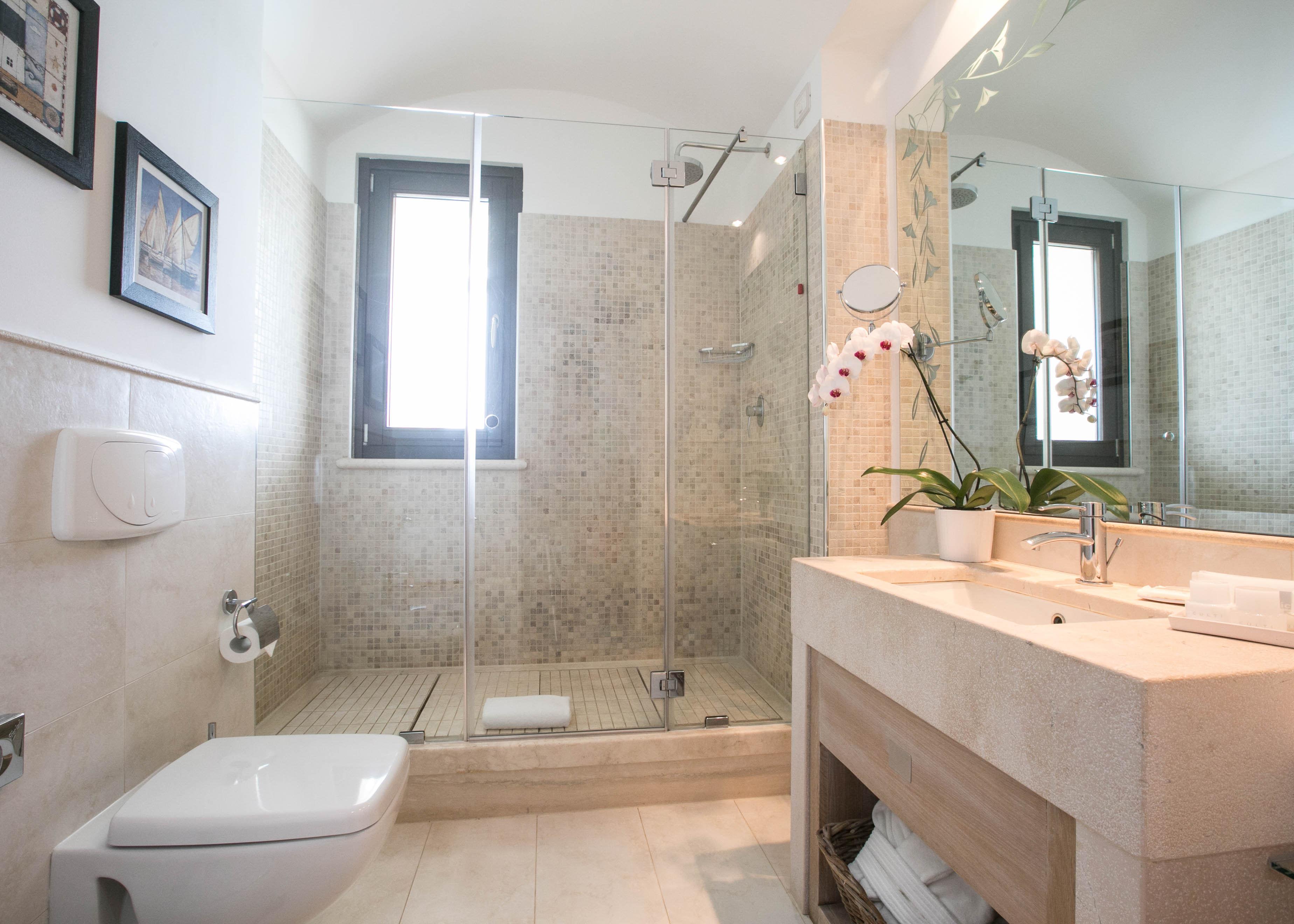 Junior Suite Frontal Sea View Bathroom
