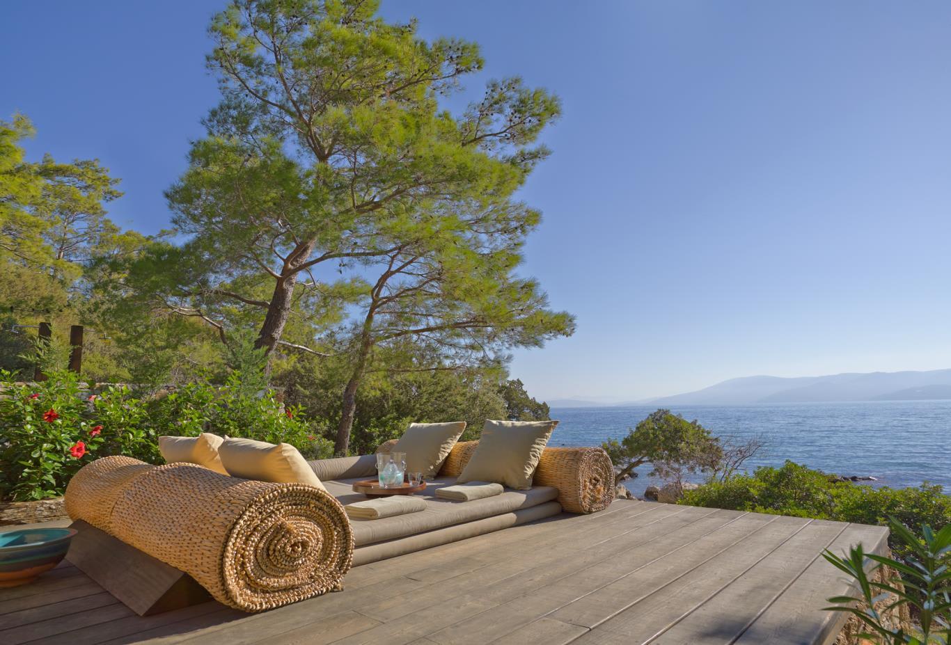 Beach-Club-Terrace