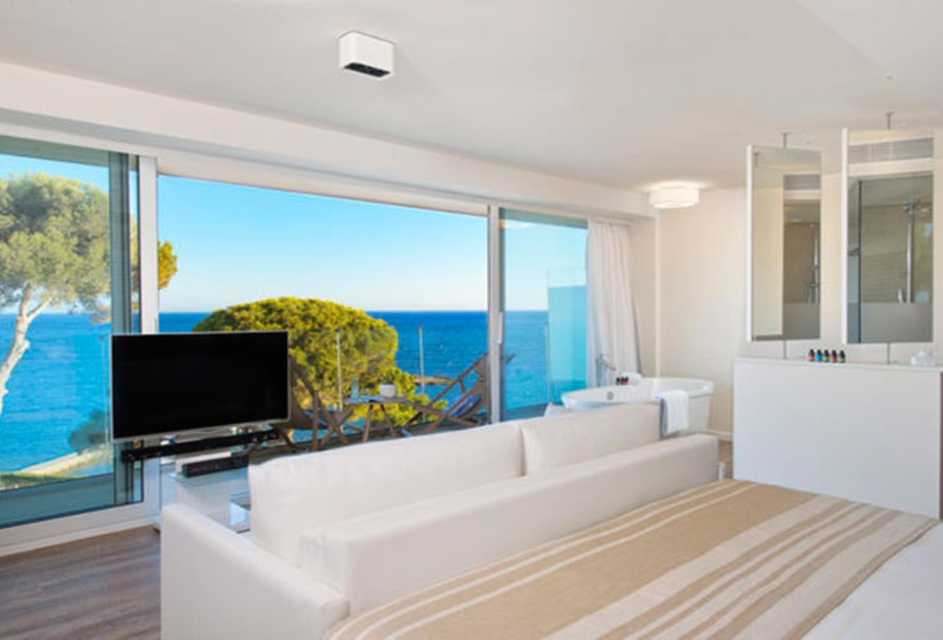 Chic Suite Bedroom