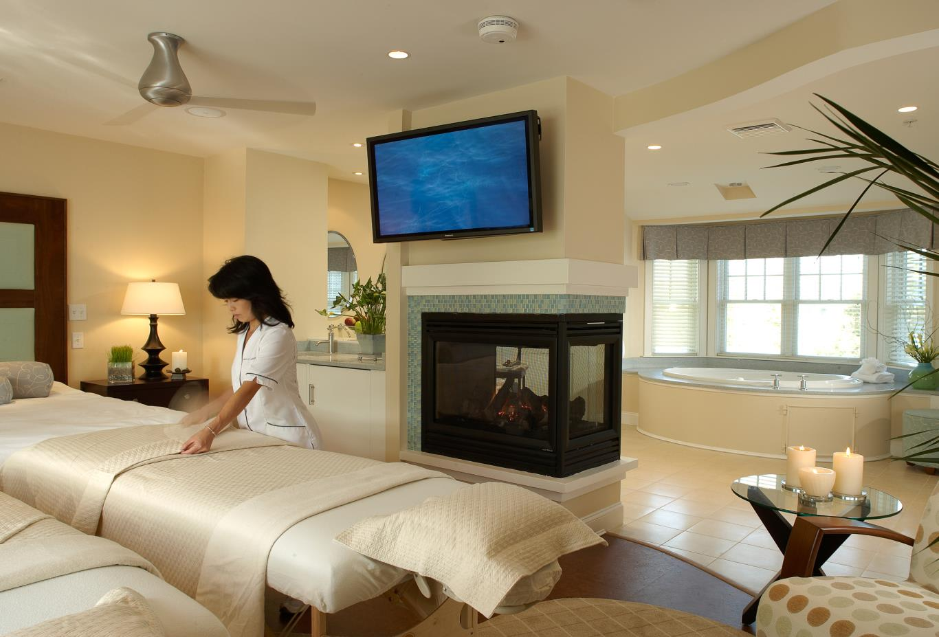 2 queen size beds in Spa Suite