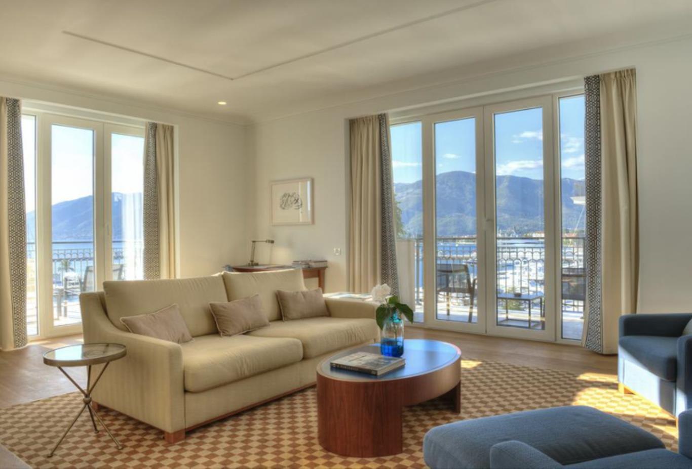 One bedroom suite with seaview living room