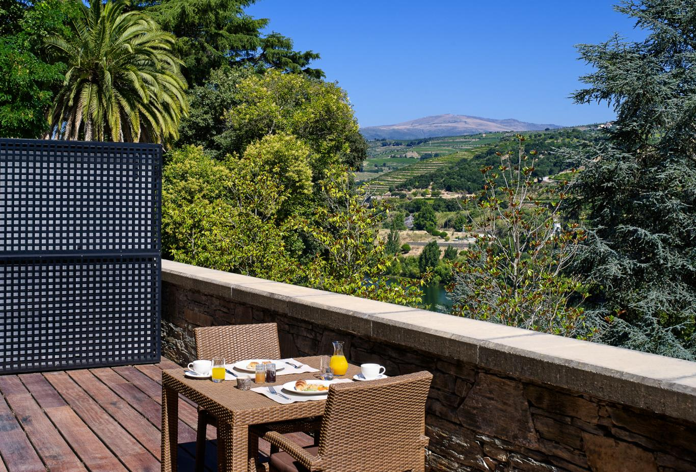 Quinta River Breakfast on Terrace