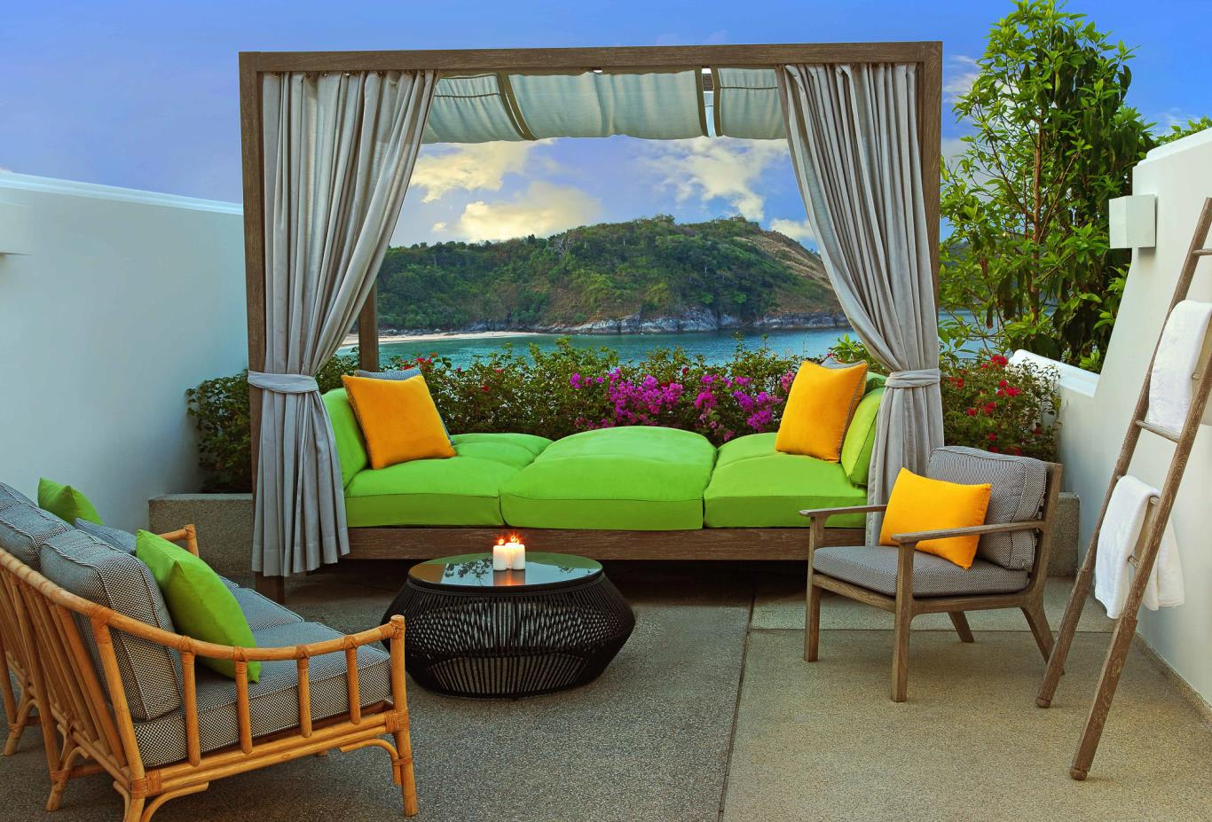 Terrace with daybed