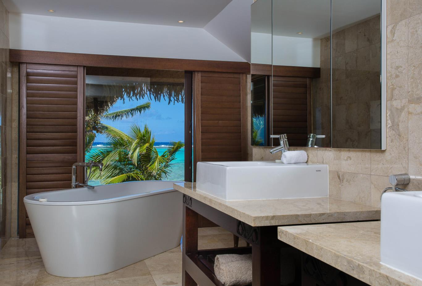 Presidential Beachfront Villa Bathroom