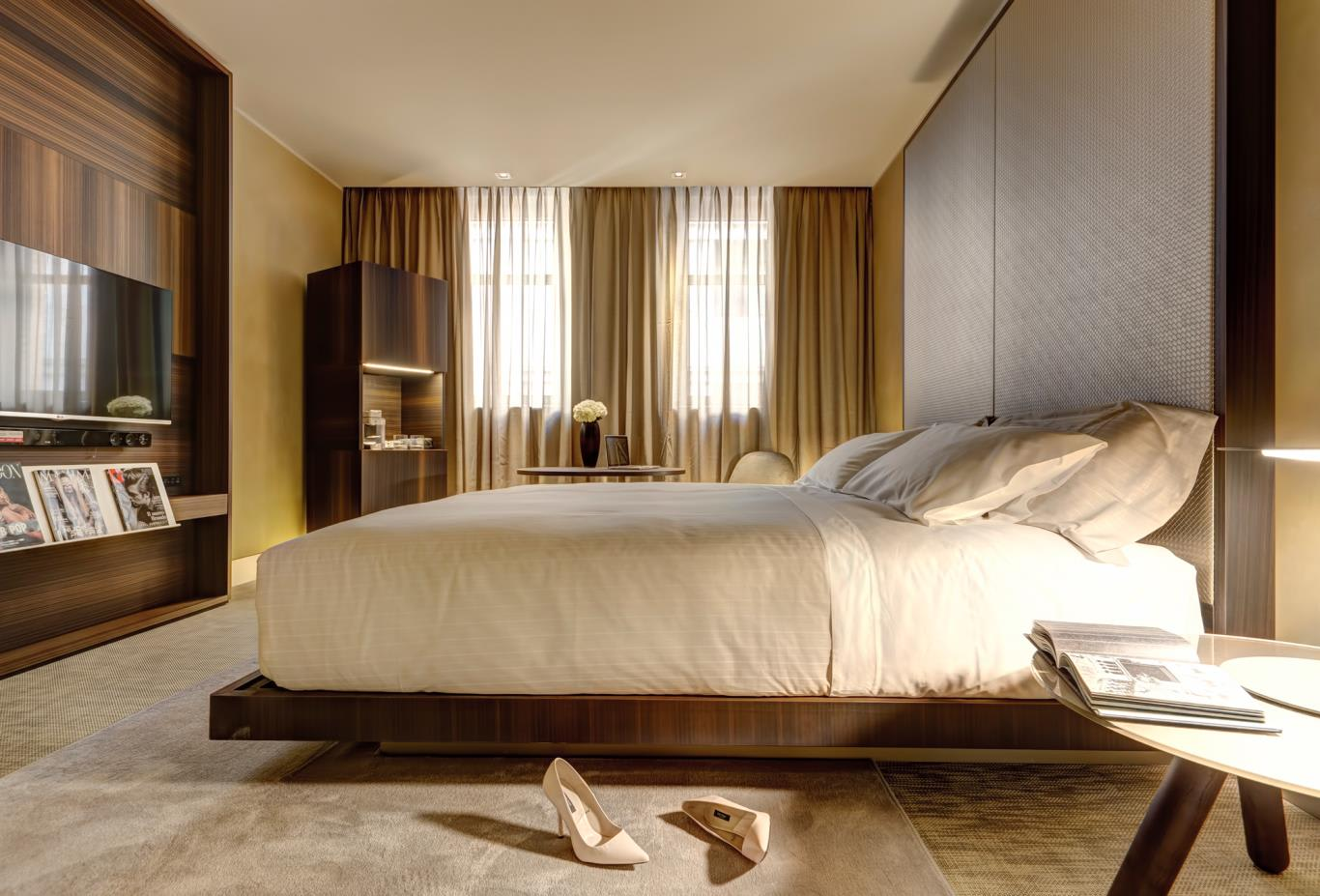 Aura Room Bed