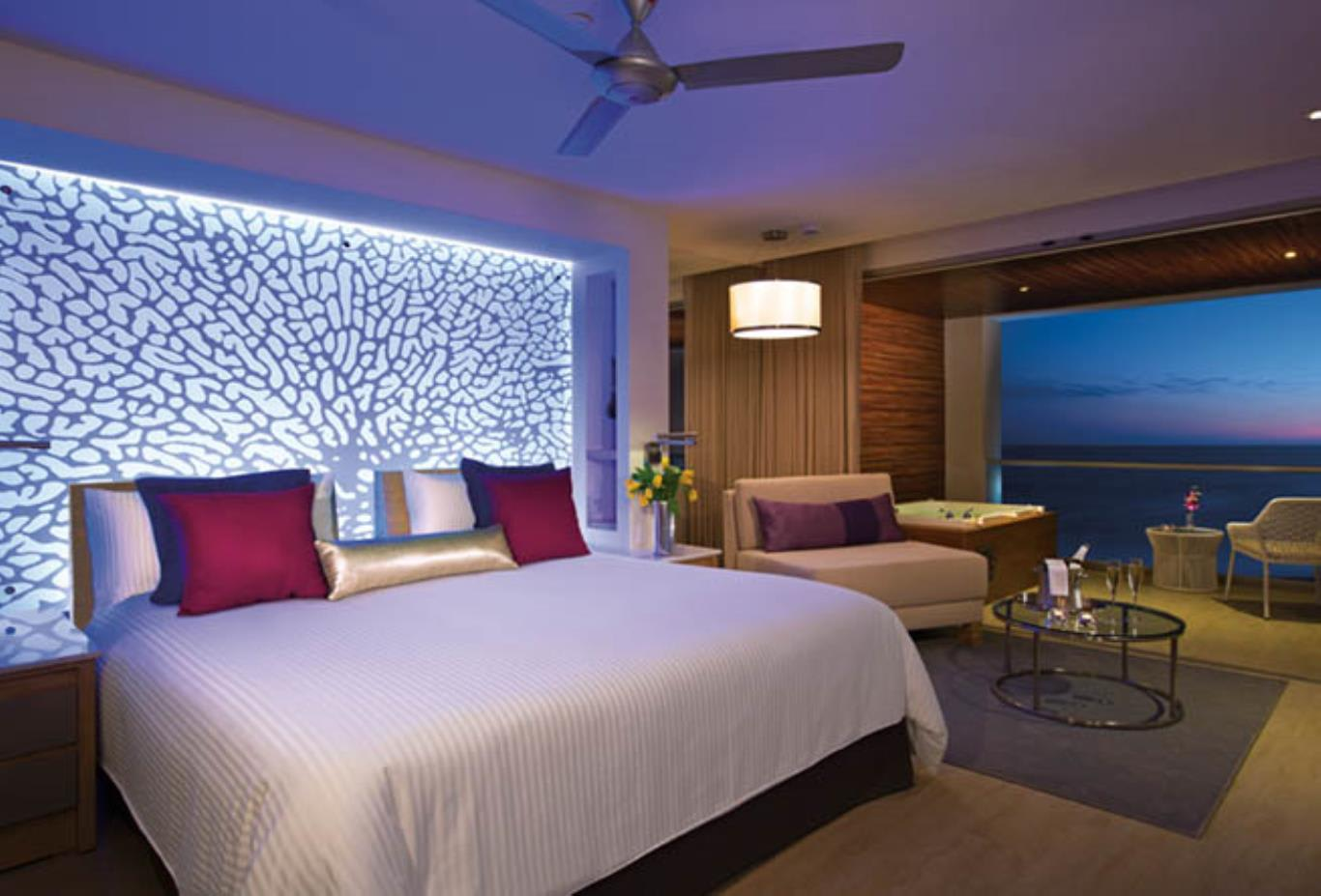 xhale club Junior Suite Ocean Front at Night