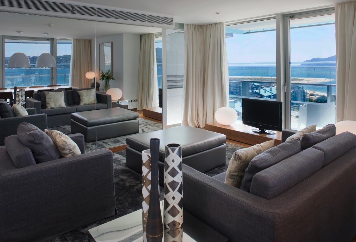 Master Suite T2 lounge