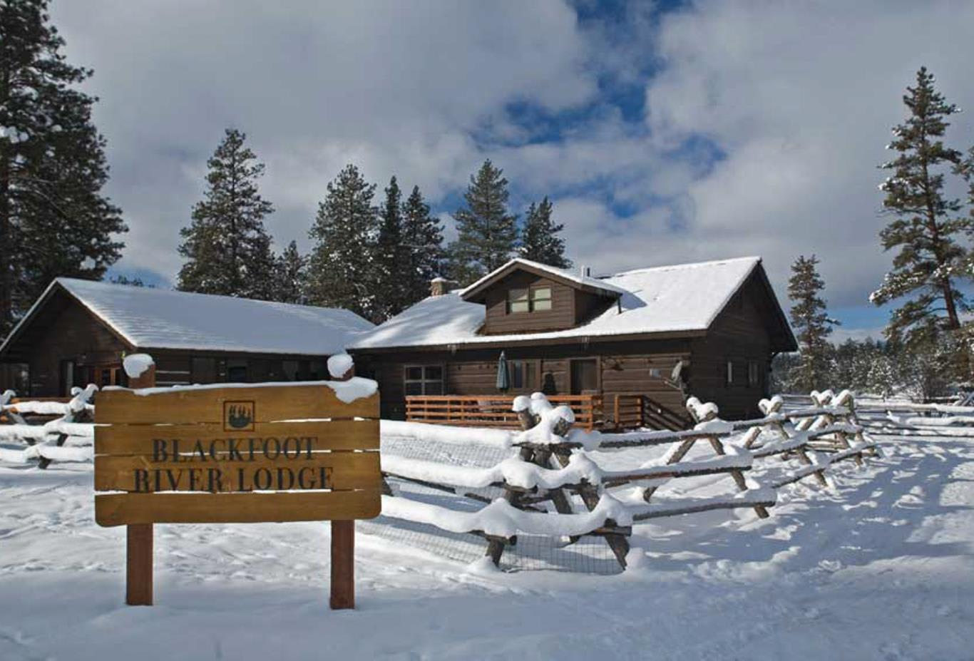 The Blackfoot River Lodge - Exterior in winter