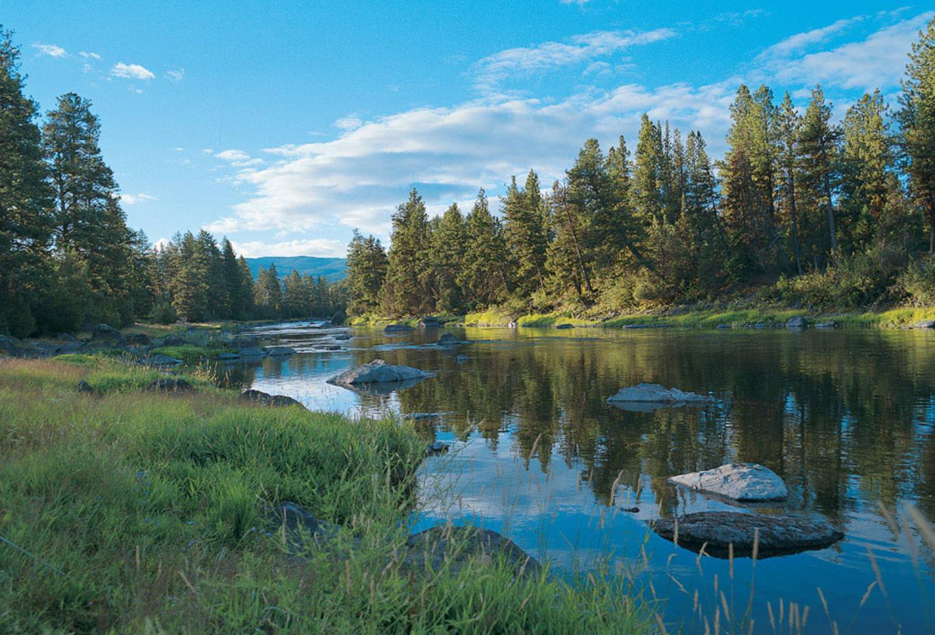 The Blackfoot River Lodge on the banks of the Blackfoot River