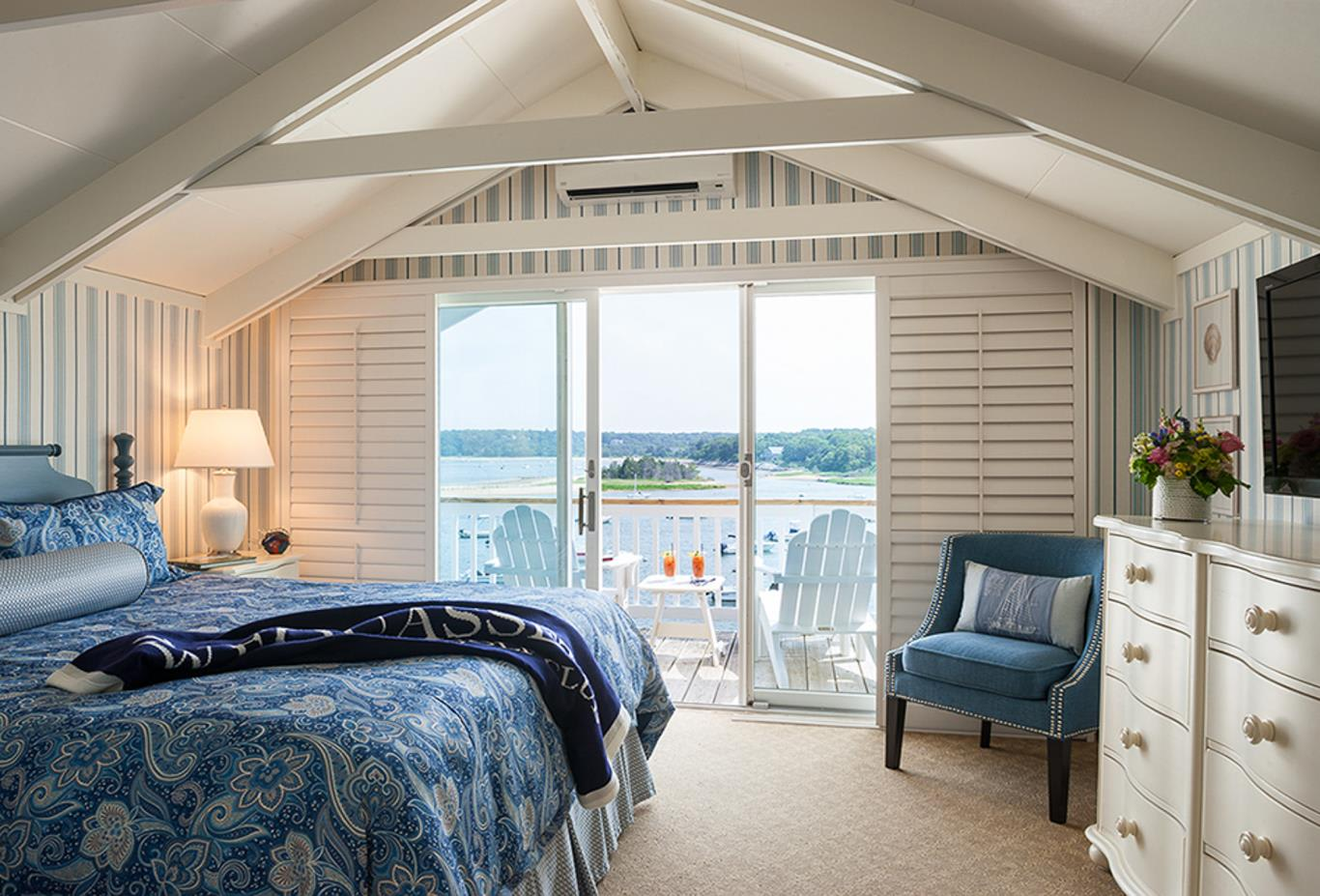 Water View Suite bedroom