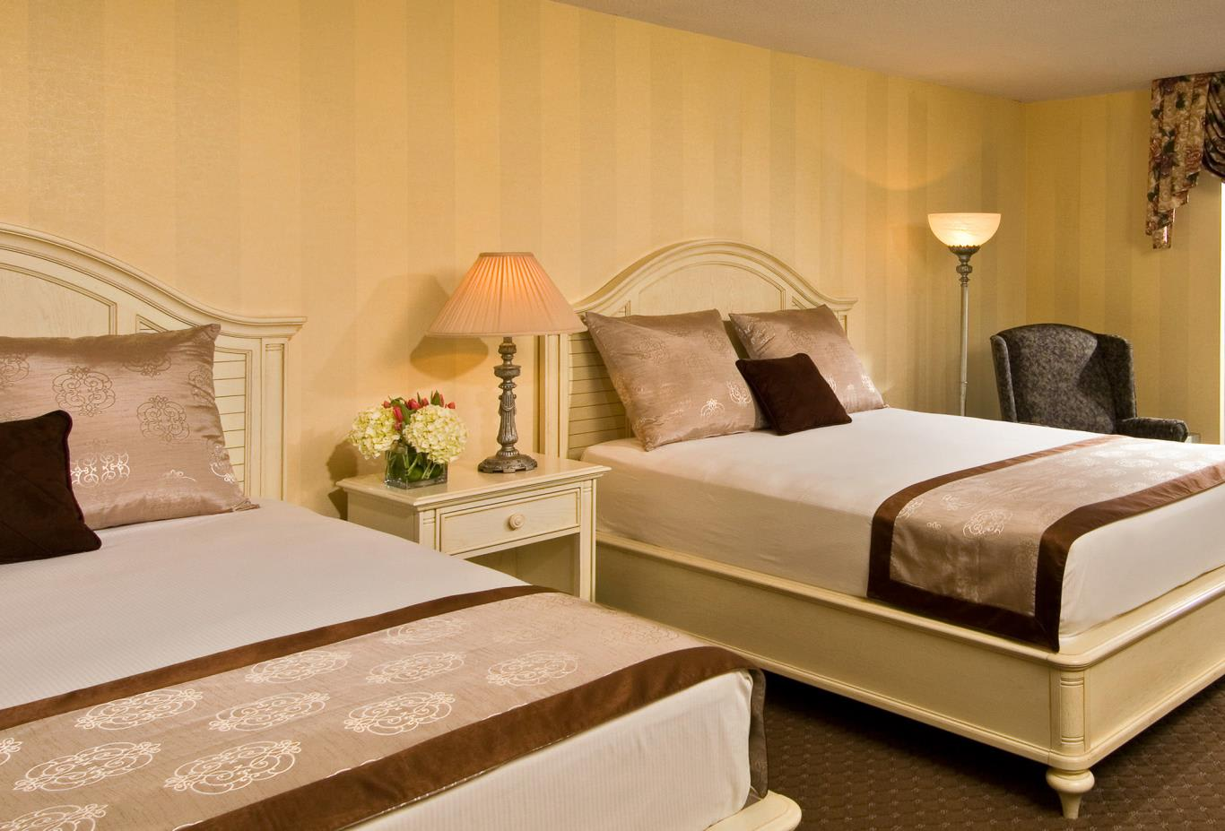 Deluxe Room with 2 queen size beds