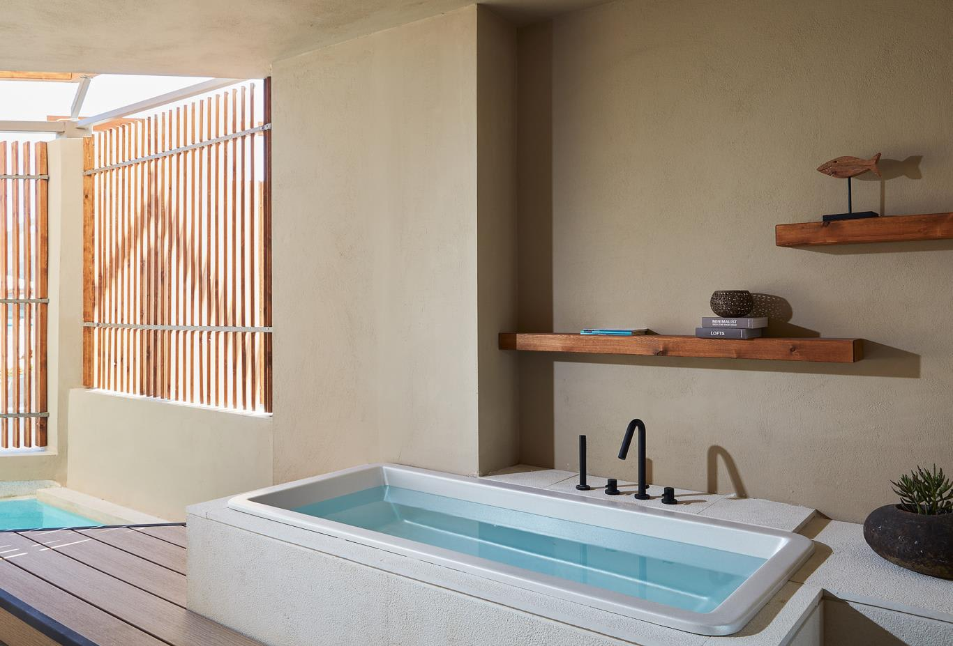 Upbeat Retreat Pool View bathtub
