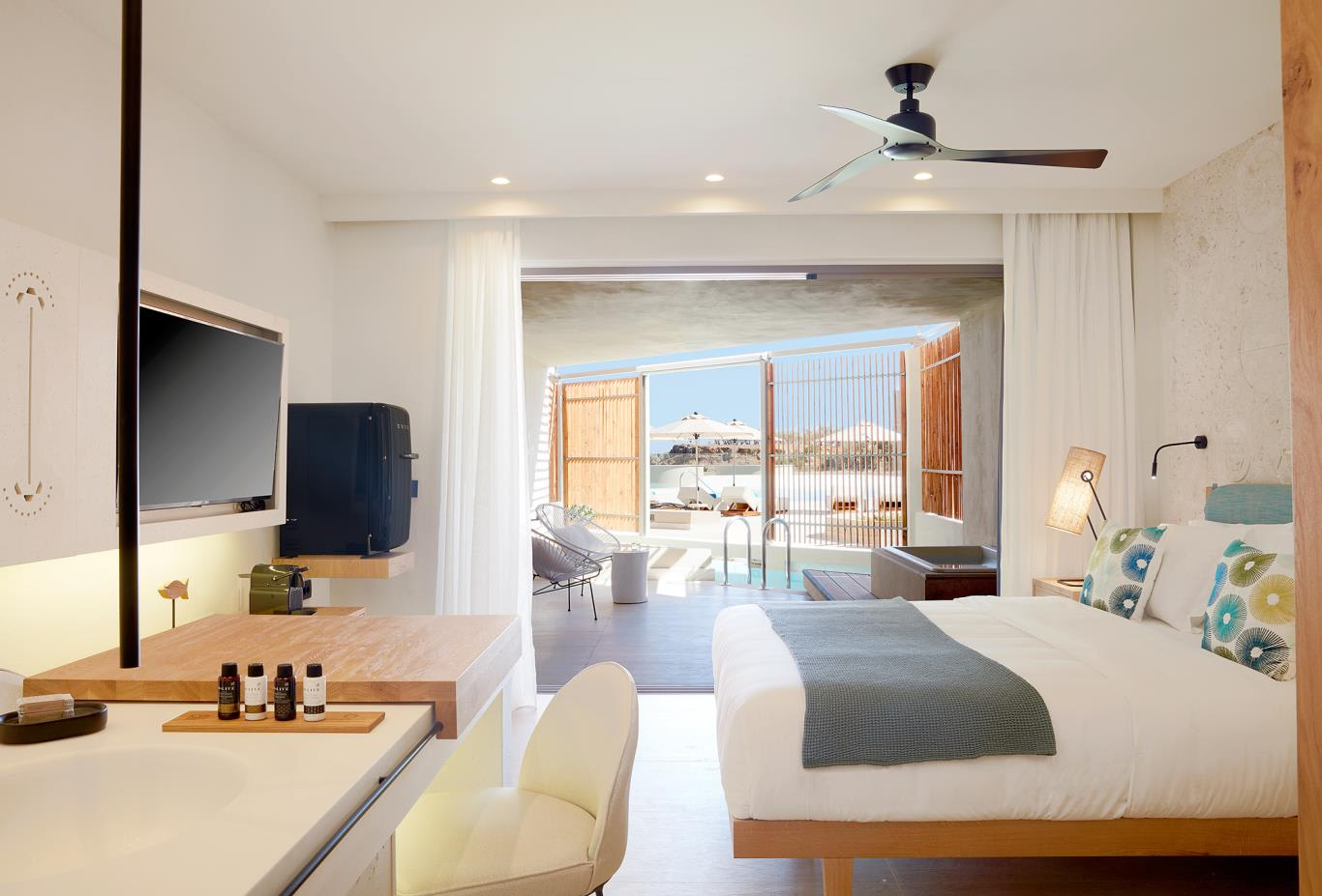 Upbeat Retreat Sea View bedroom