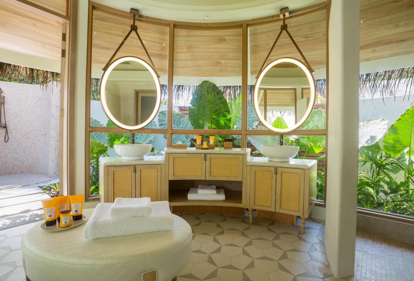 Beach pool villa bathroom full