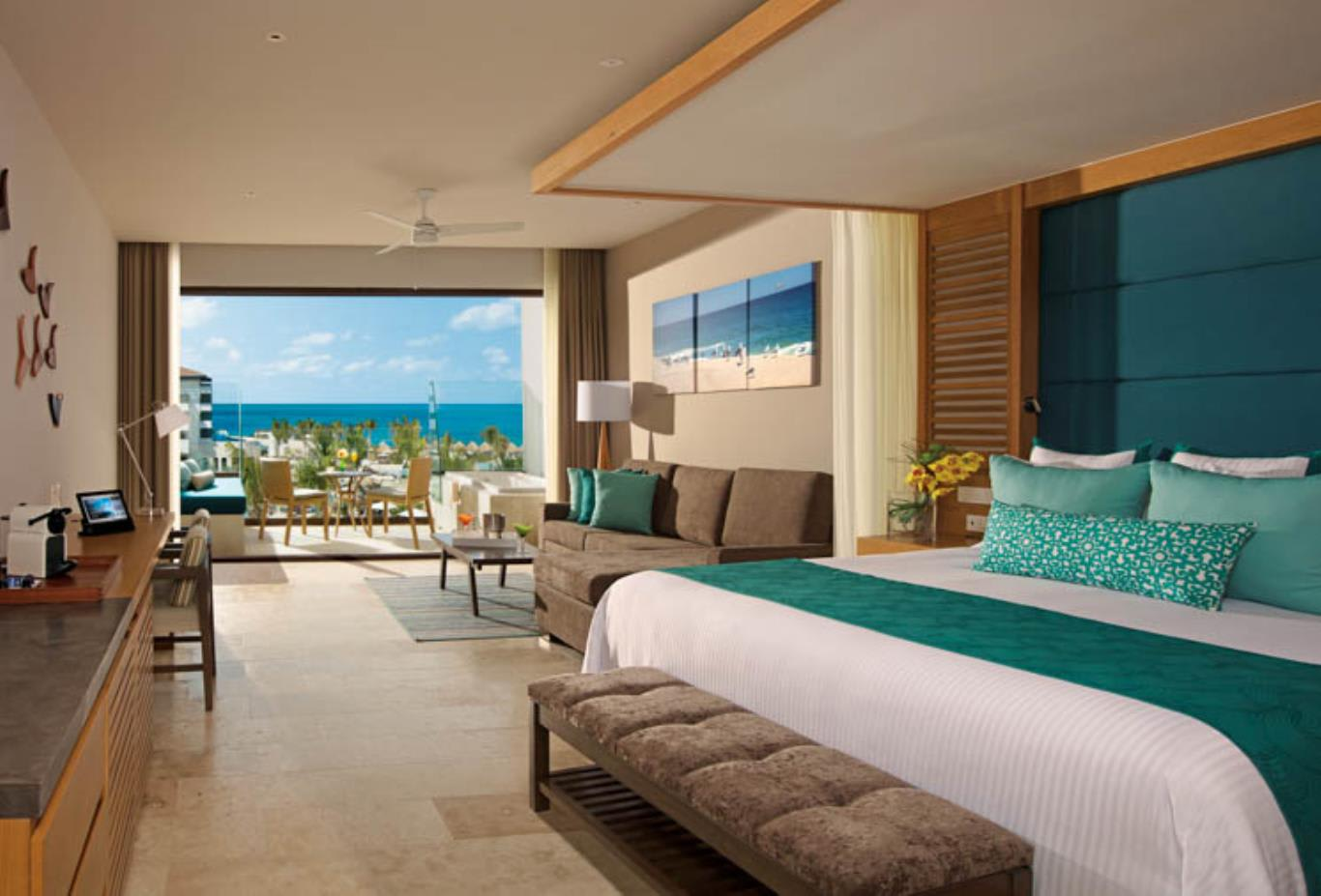 Junior Suite Partial Ocean View King interior
