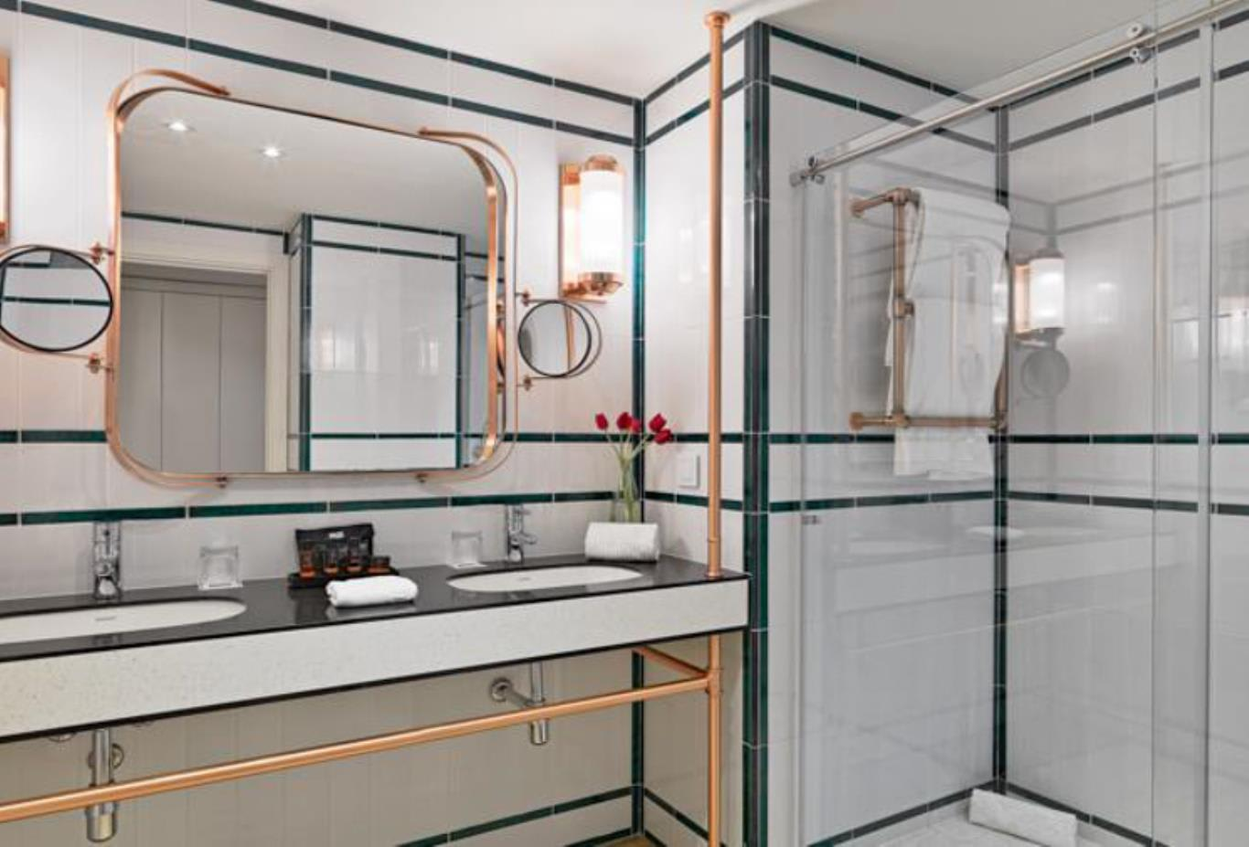 Classic Double or twin bathroom