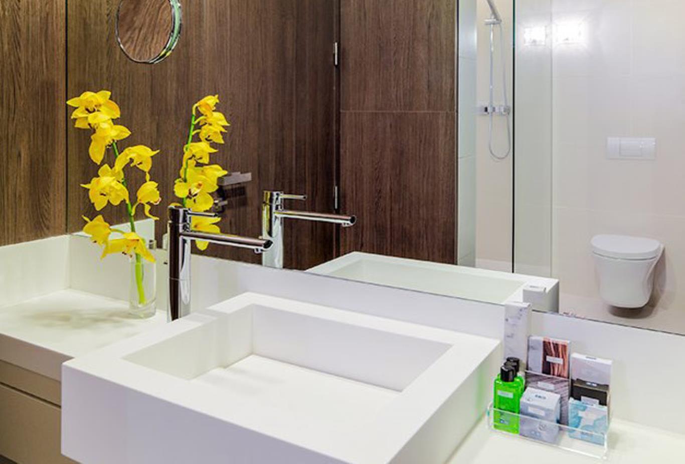 Urquinaona-Double-Room-bathroom