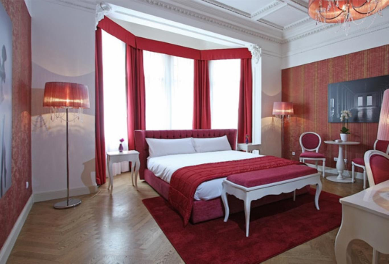 Rooms - Ballerina Deluxe and Twin Room