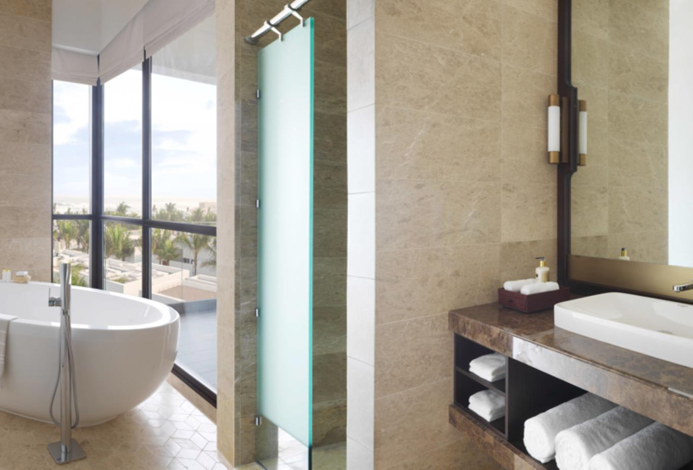 Premier Sea View Bathroom