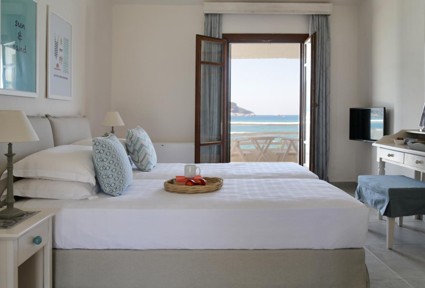 Double Room Sea View bed