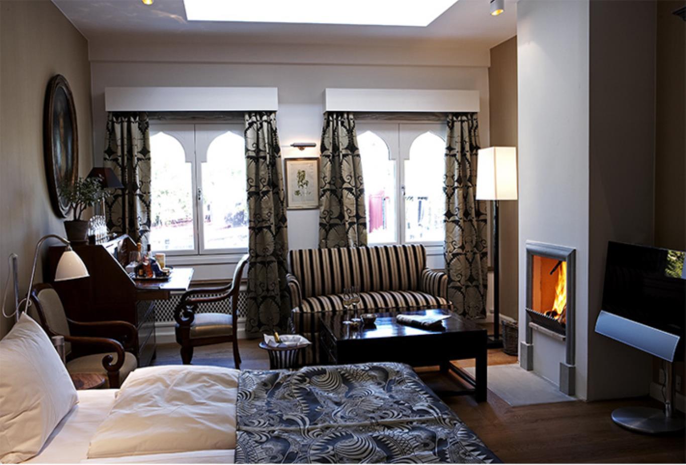 Deluxe Guest Room 1