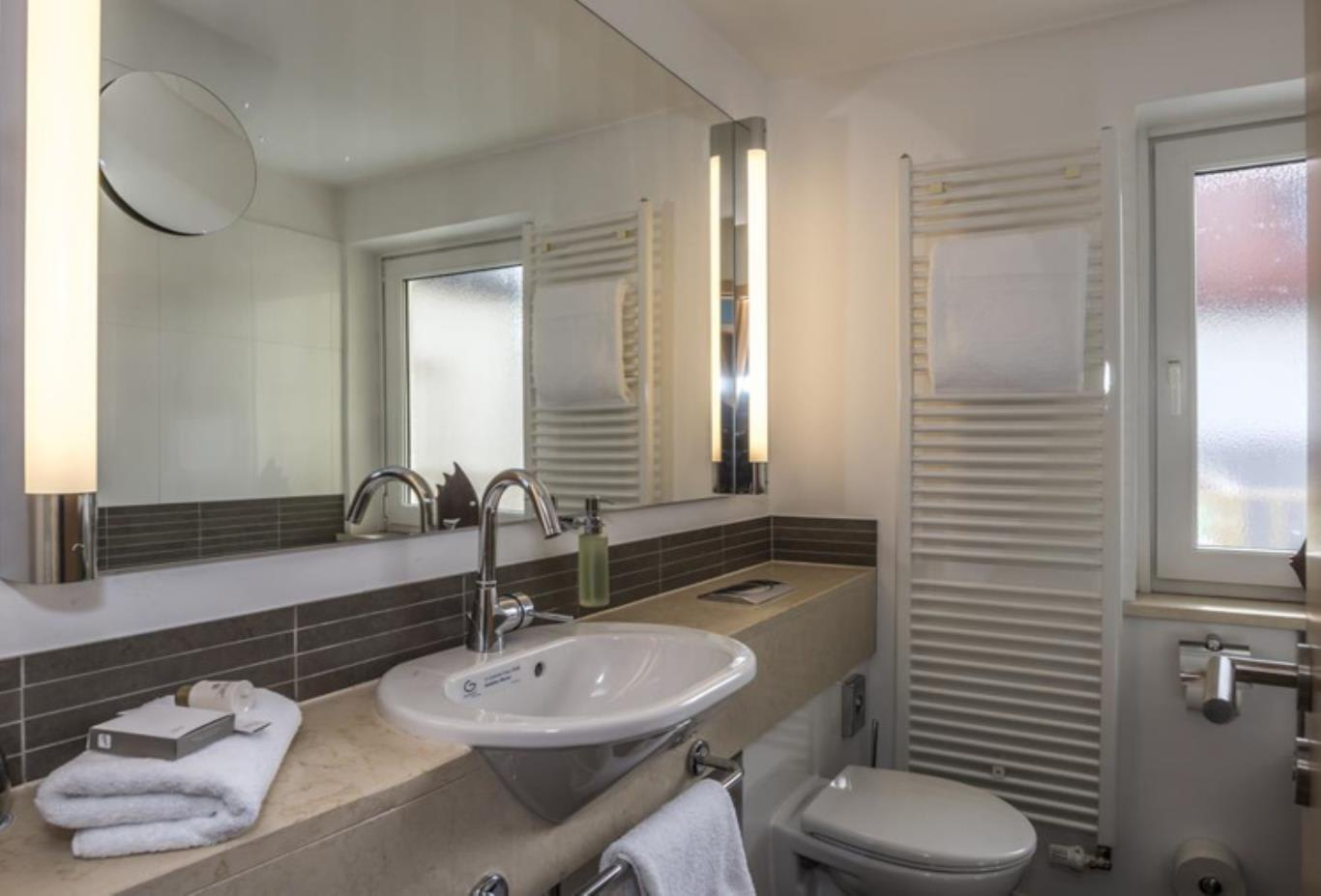 Comfort Double Room bathroom