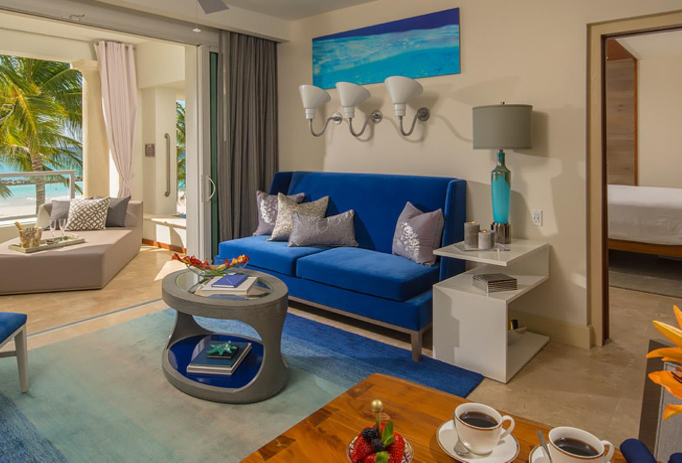 BSKY Beachfront One Bedroom Skypool Butler Suite with Balcony Tranquillity Soaking Tub