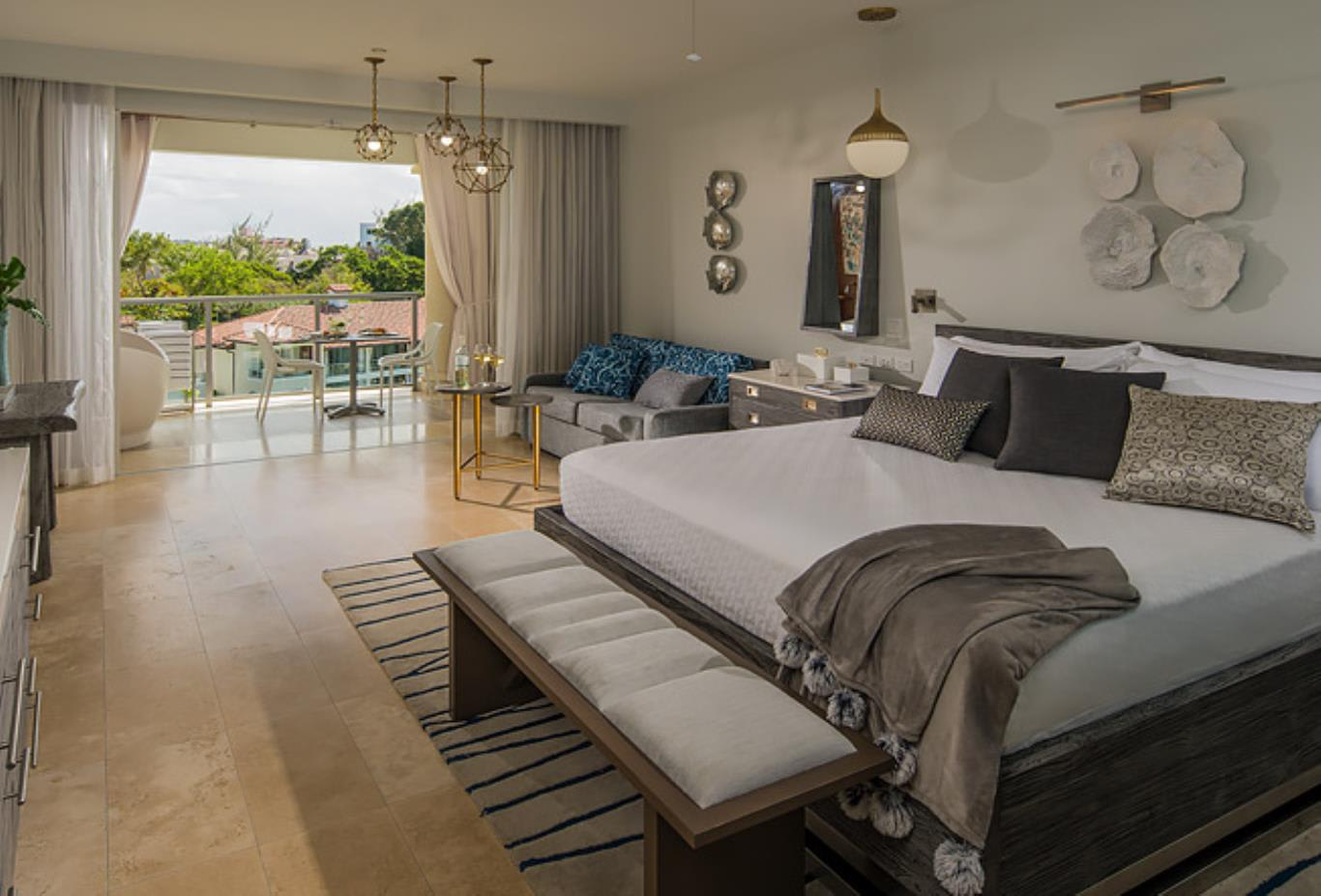 PSLB Royal Seaside Penthouse Oceanview Crystal Lagoon Club Level Barbados Suite with Balcony Tranquillity Soaking Tub bedroom