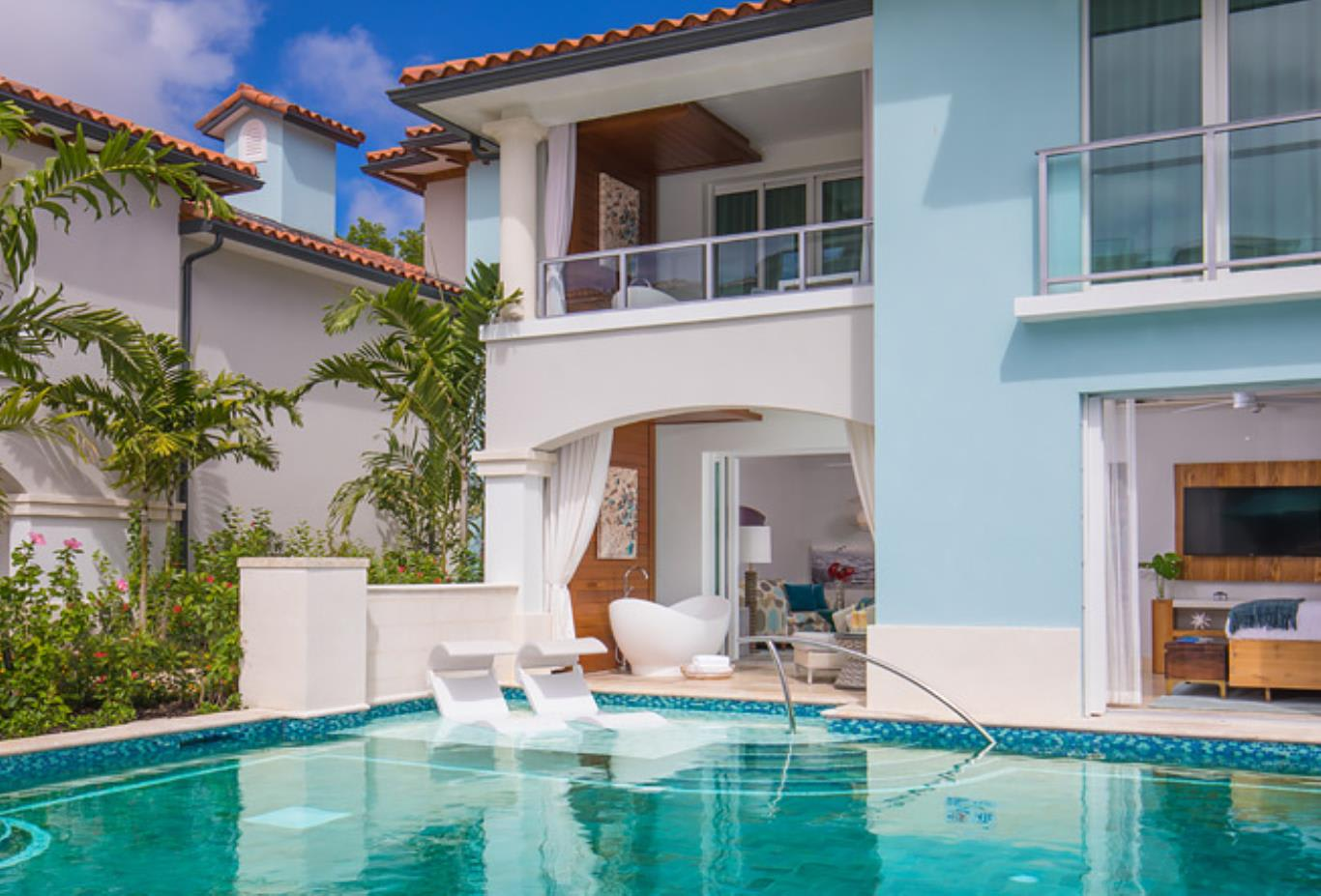 SM1B Millionaire Crystal Lagoon Swim Up Butler One Bedroom Suite with Patio Tranquillity Soaking exterior