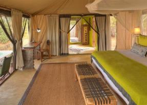 Tented Villa with view to pool