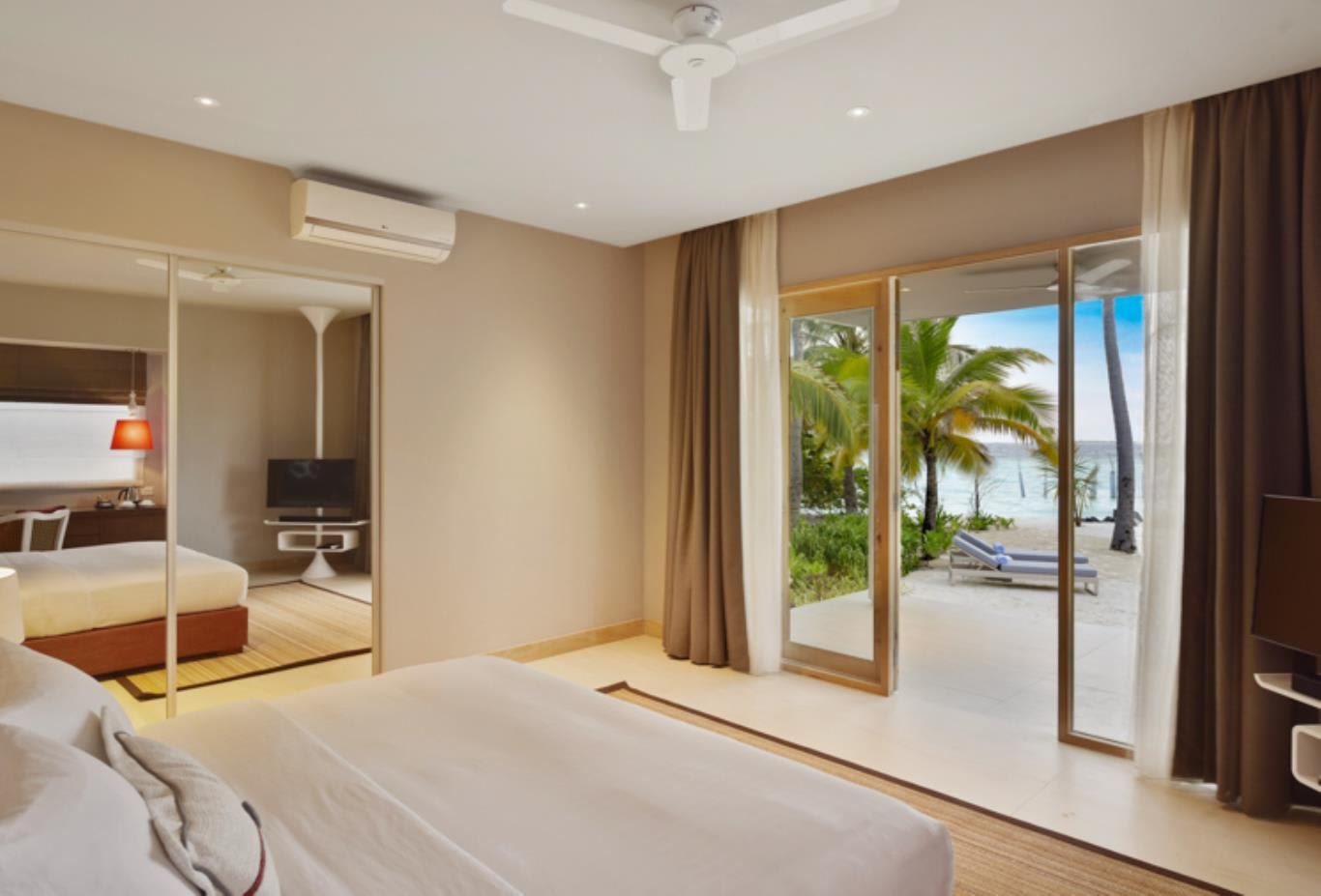 Beach Bungalow bedroom