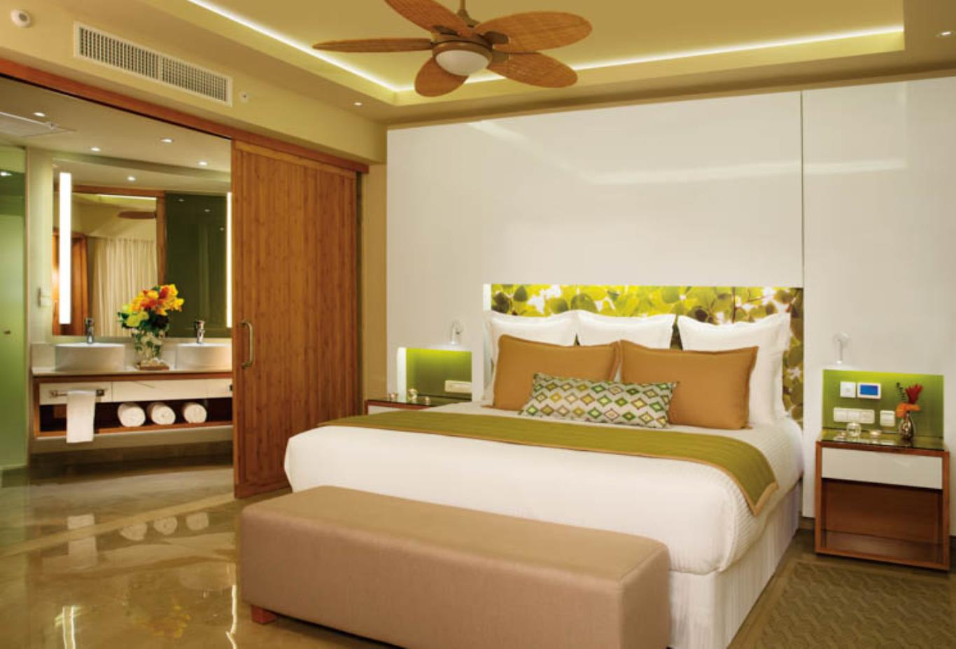 Preferred Club Master Suite bedroom
