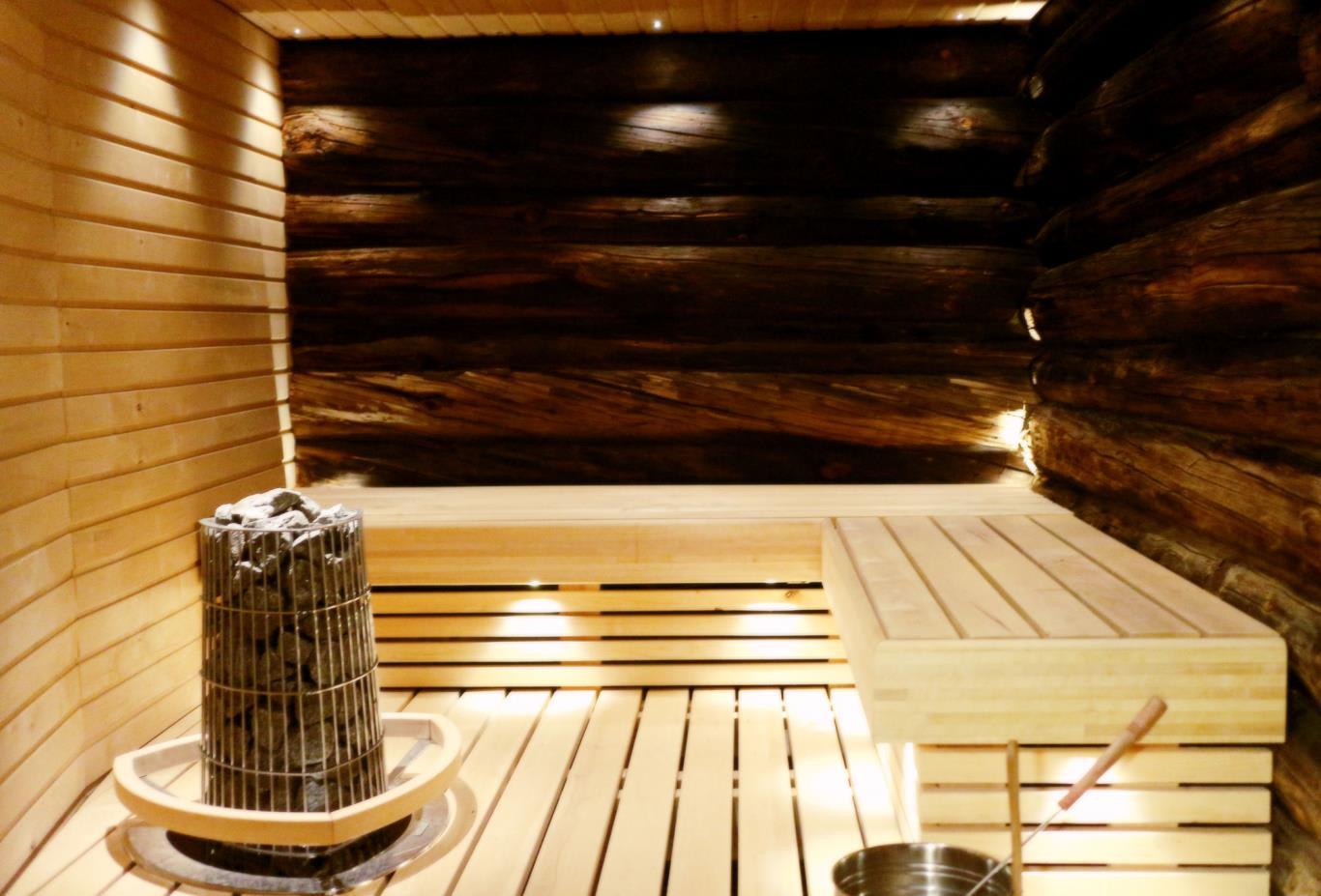 Muotka-Riverside-room-sauna