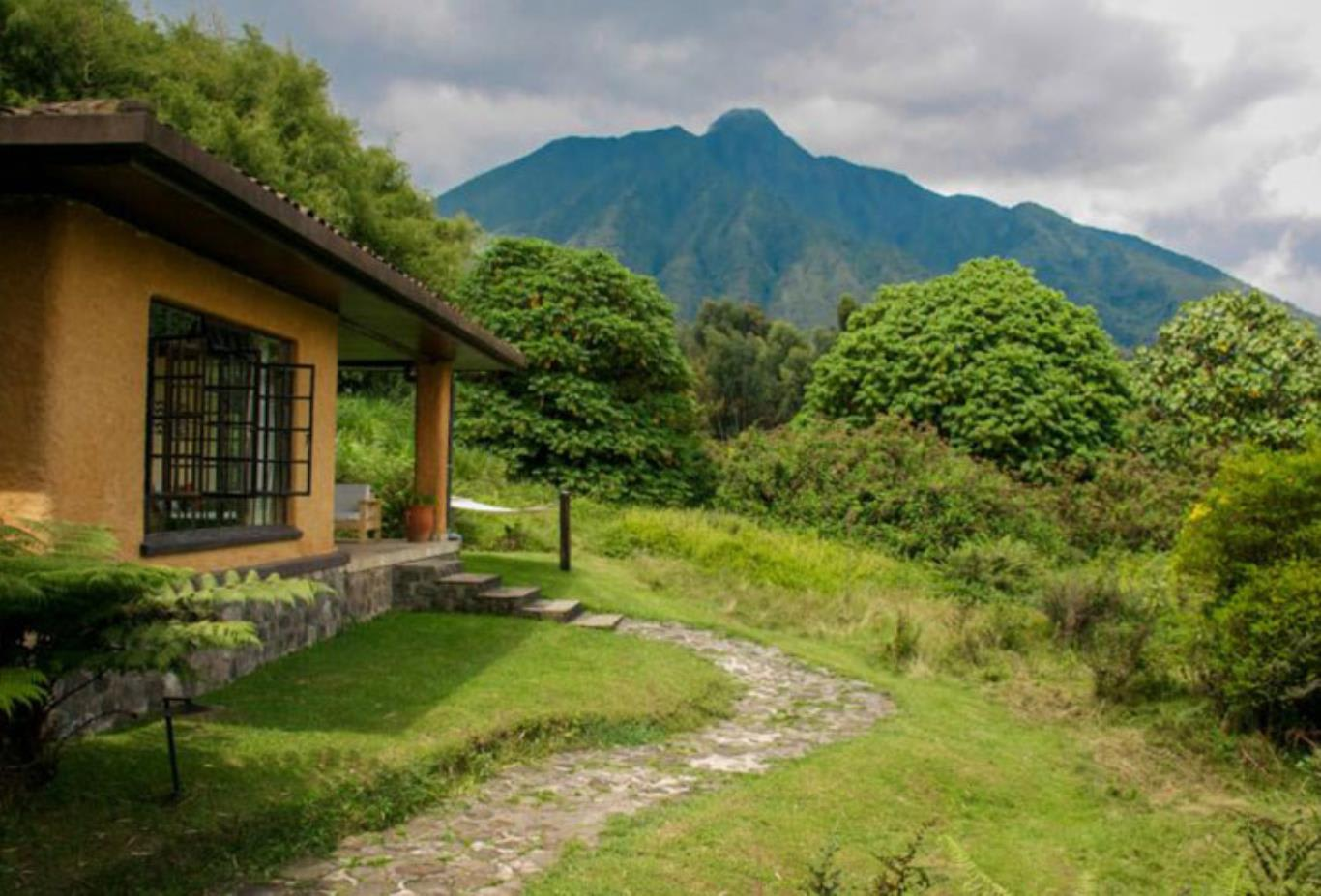 Sabyinyo-and-mountain