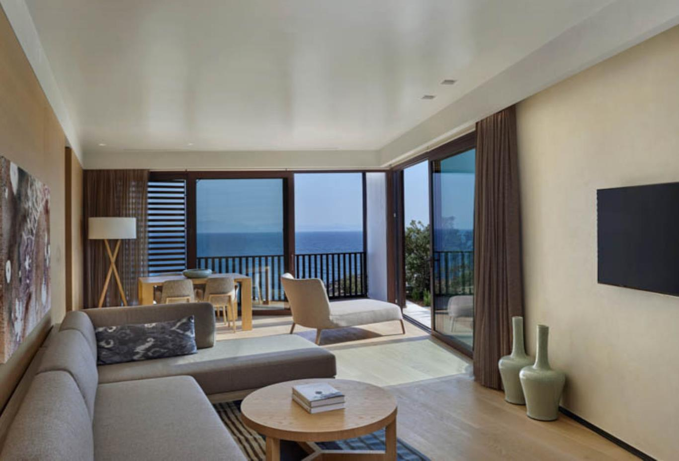 Seaview Master Suite Living Room