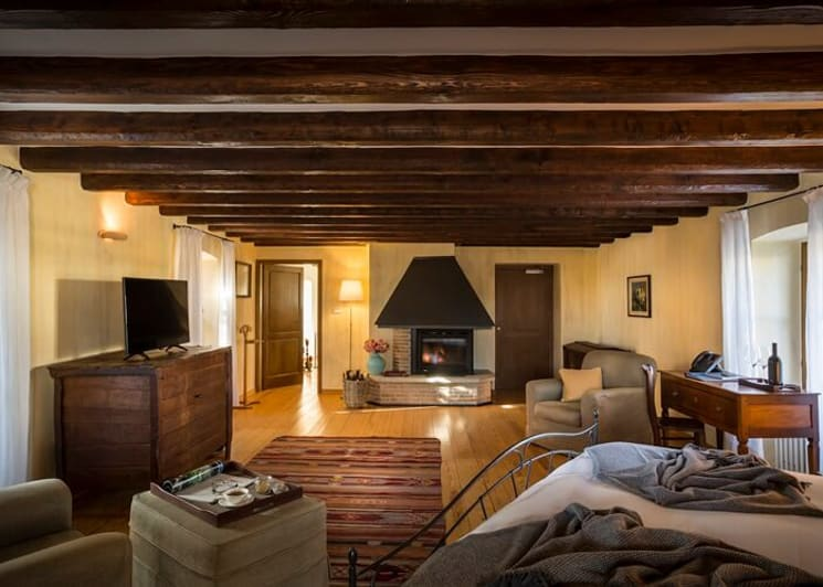 Panorama Suite fireplace