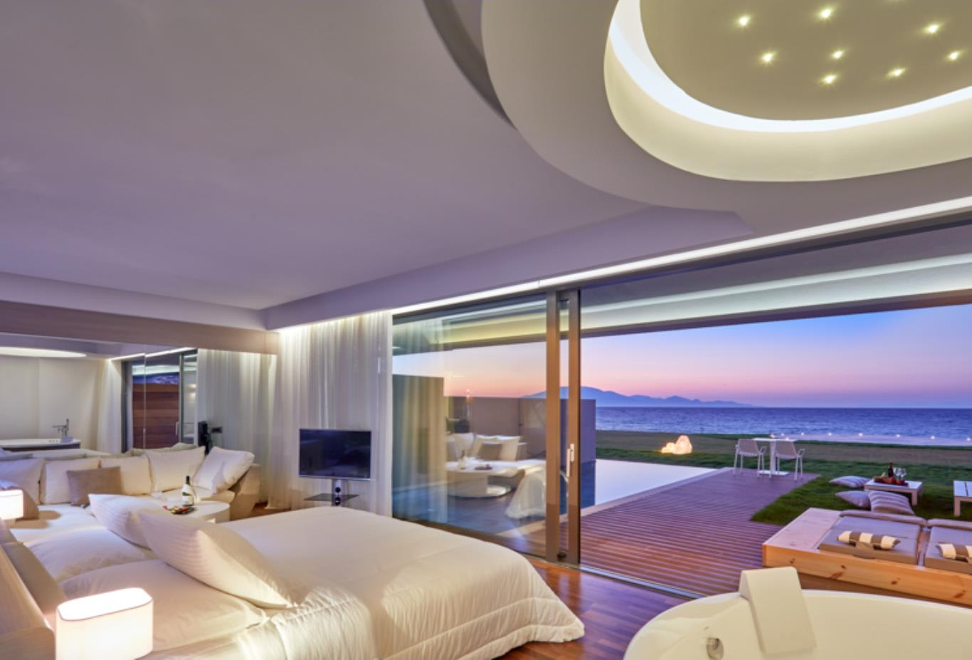 Deluxe Suite Sea View with Private Pool view