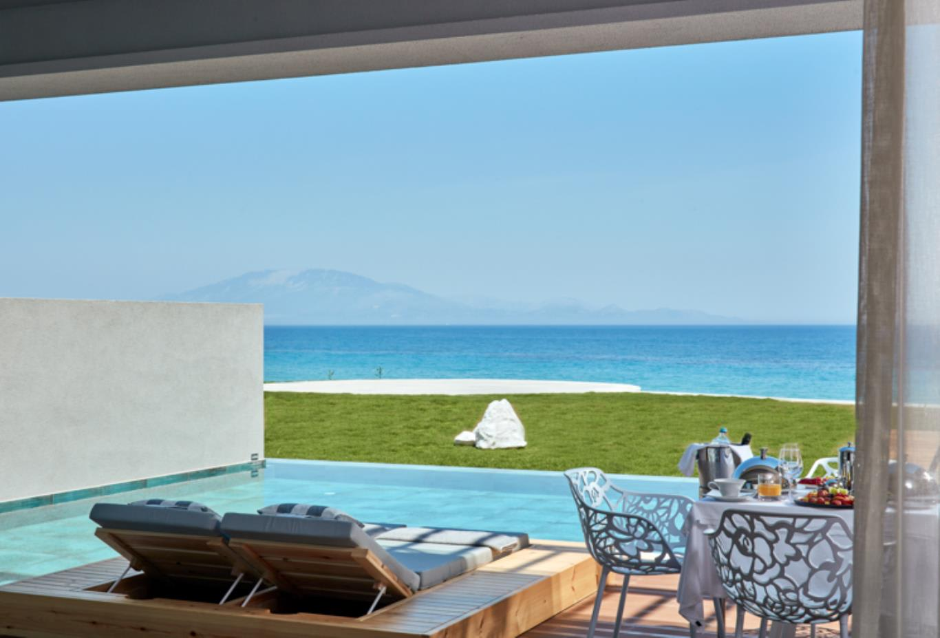 Signature Suite Sea View with Individual Pool