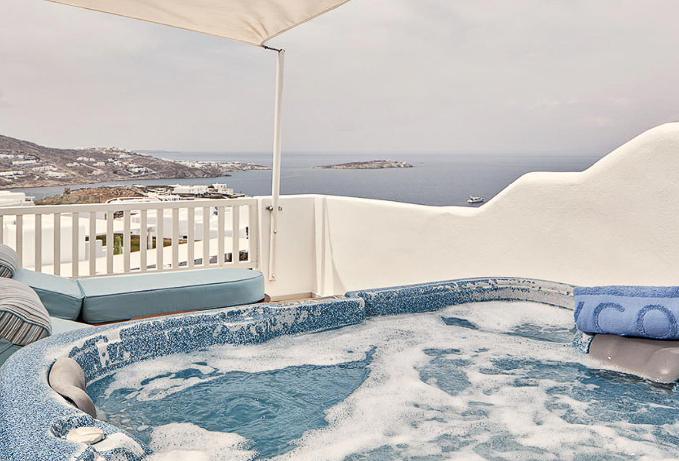 Sunset Suite terrace and Jacuzzi